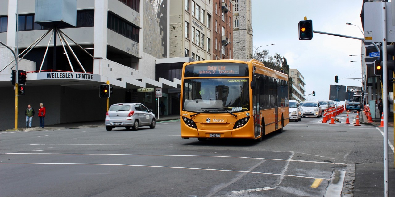 OuterLink-Bus-Around-Auckland-2.jpg