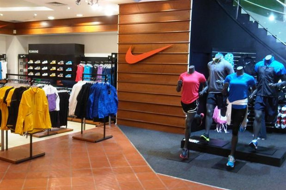 Rebel Sport, Atrium on Elliott