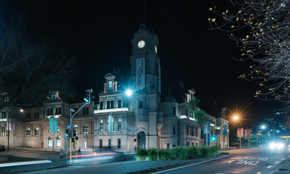 Night time view of Auckland Art Gallery