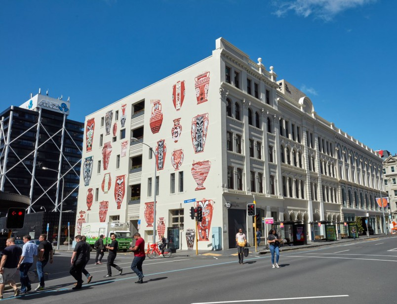 Maunga by Shane Cotton - a large scale artwork of 25 pots on a 5 storey heritage building in Auckland's Britomart.